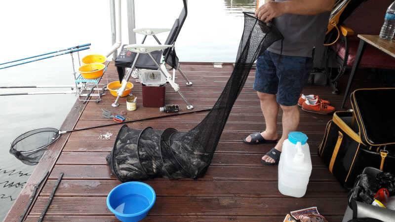fish_pay_01005323.jpg