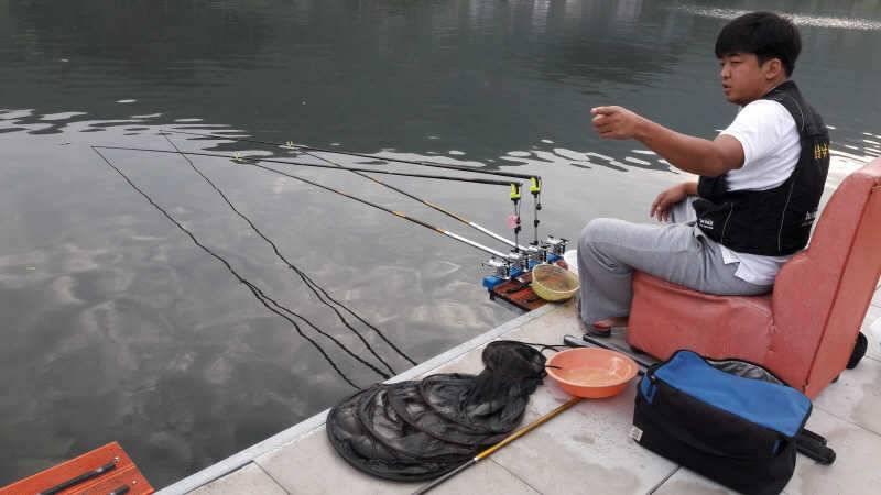 fish_pay_01012918.jpg