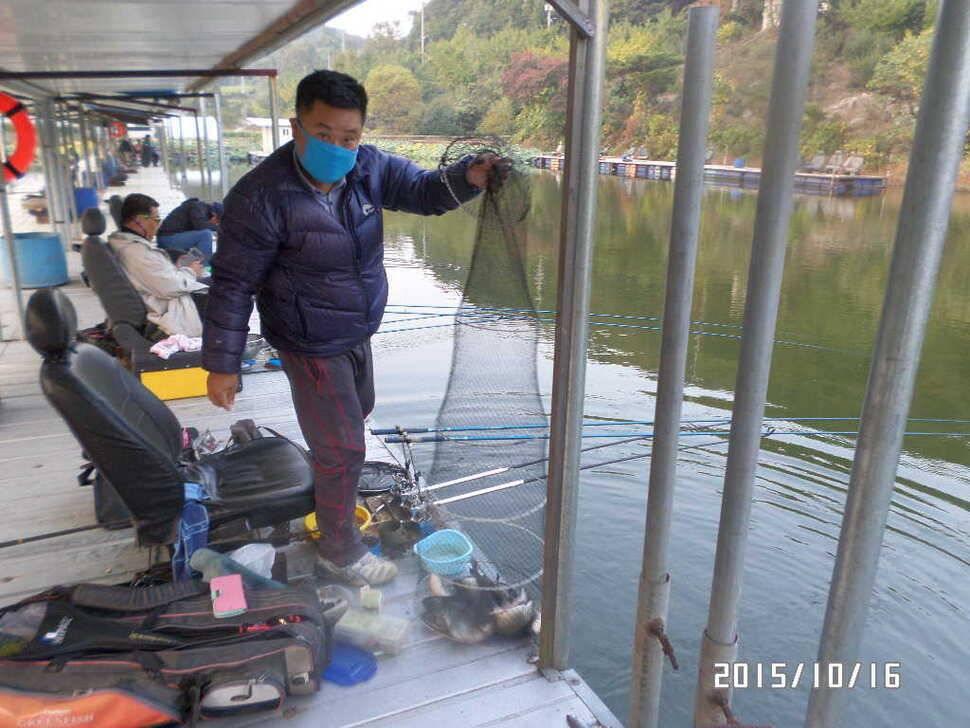 fish_pay_01564844.jpg