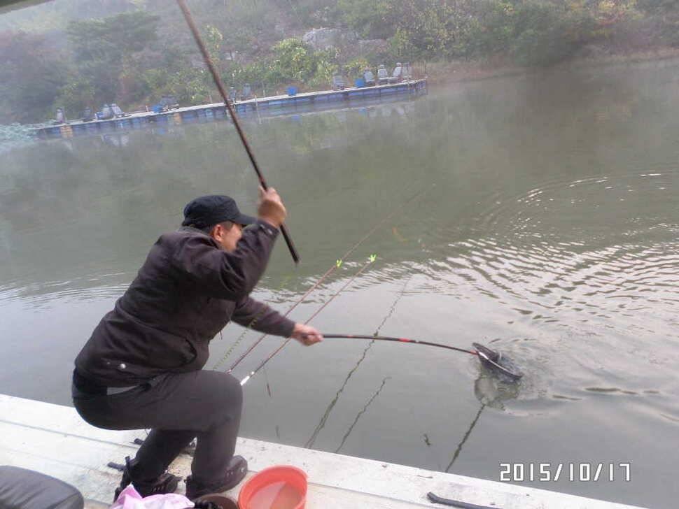 fish_pay_01565241.jpg