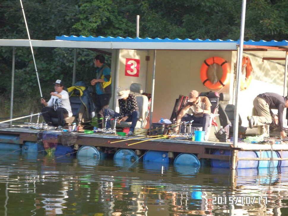 fish_pay_01573612.jpg