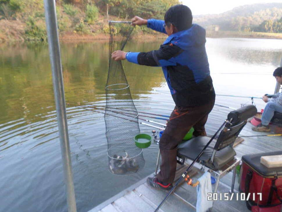 fish_pay_01575484.jpg