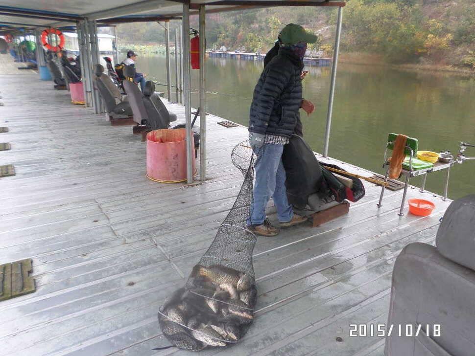 fish_pay_0158109.jpg