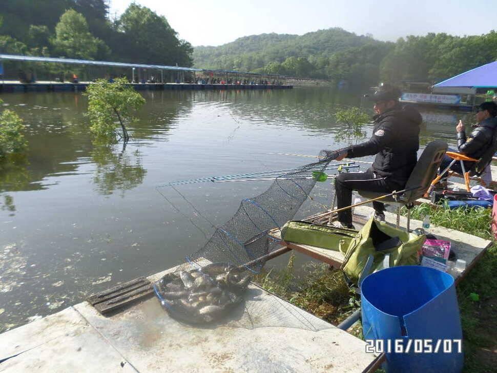 fish_pay_02431878.jpg