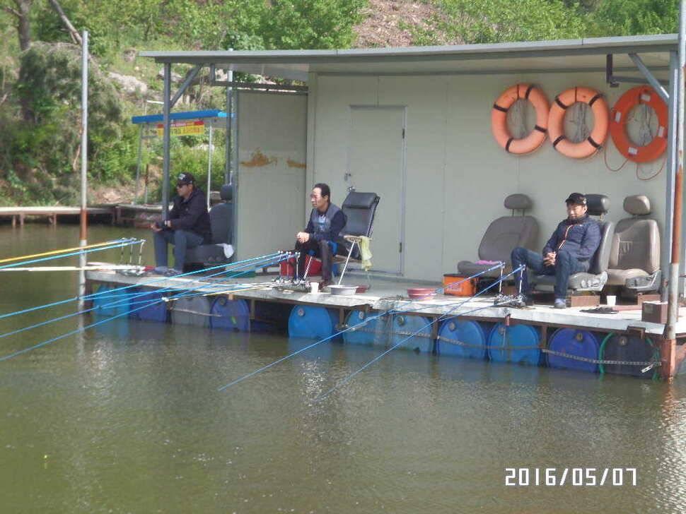 fish_pay_02434233.jpg