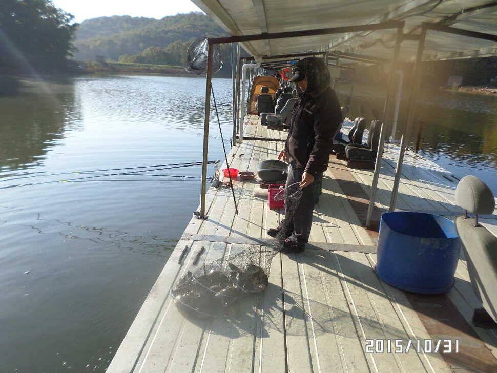 fish_pay_02570828.jpg