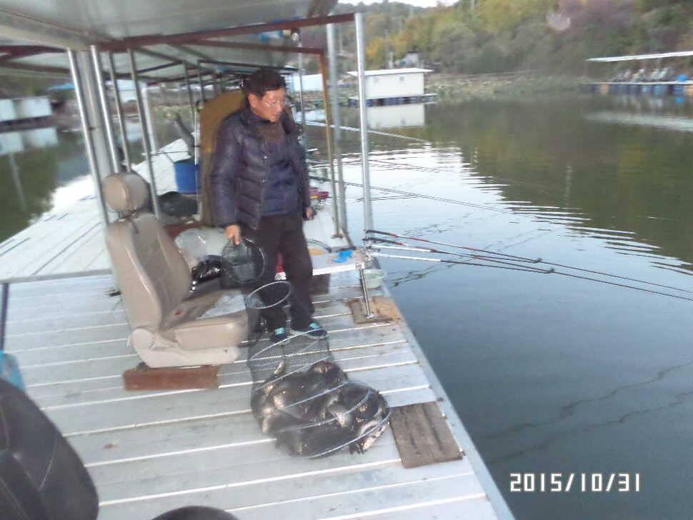 fish_pay_02580371.jpg