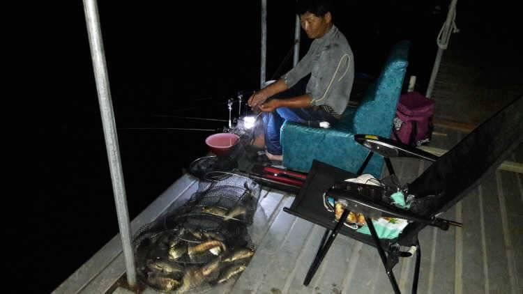 fish_pay_0326119.jpg