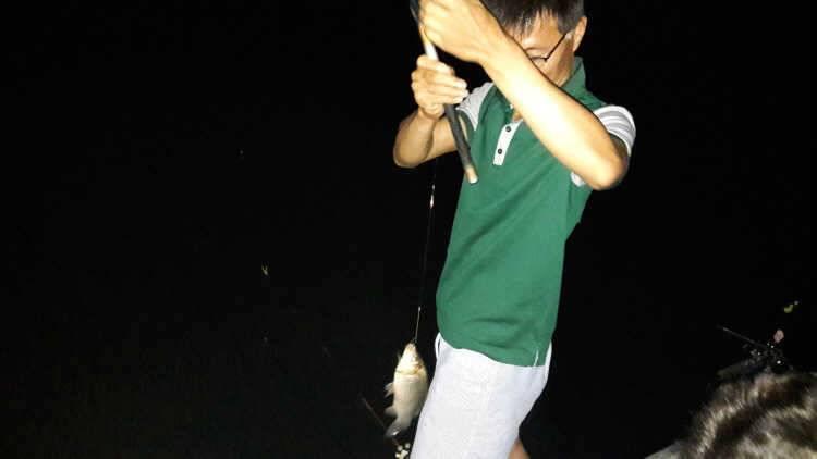 fish_pay_03262111.jpg