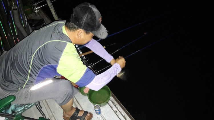 fish_pay_03262811.jpg