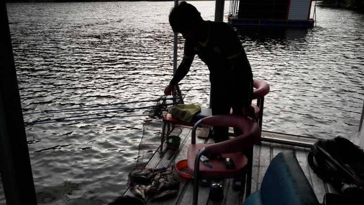 fish_pay_0327246.jpg