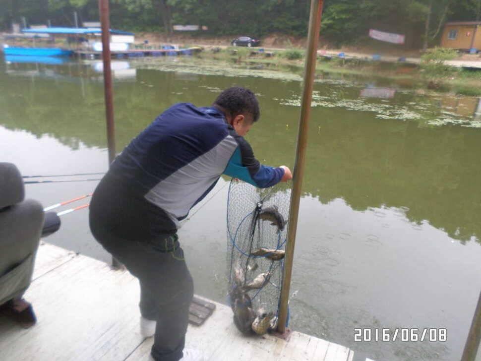 fish_pay_04380579.jpg