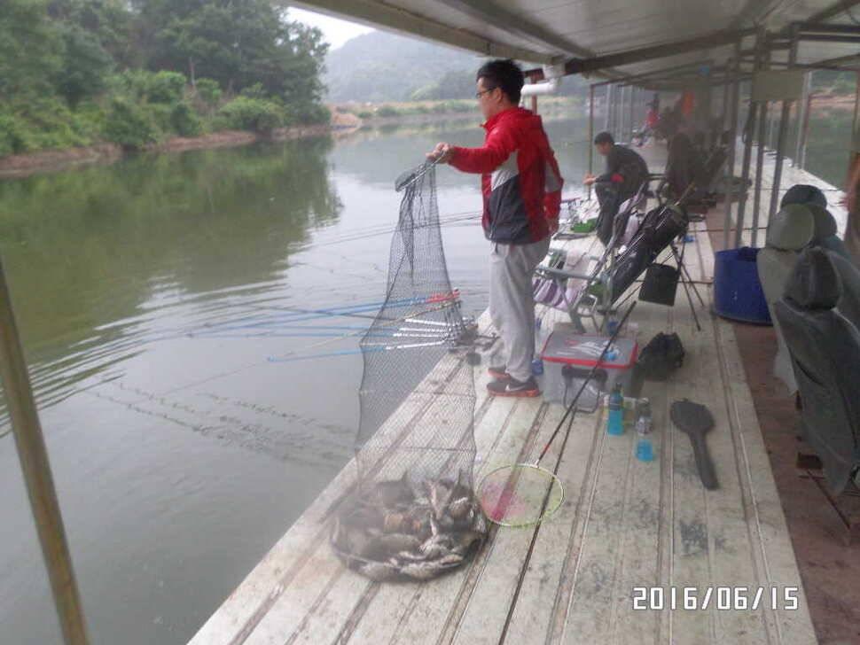 fish_pay_06010798.jpg