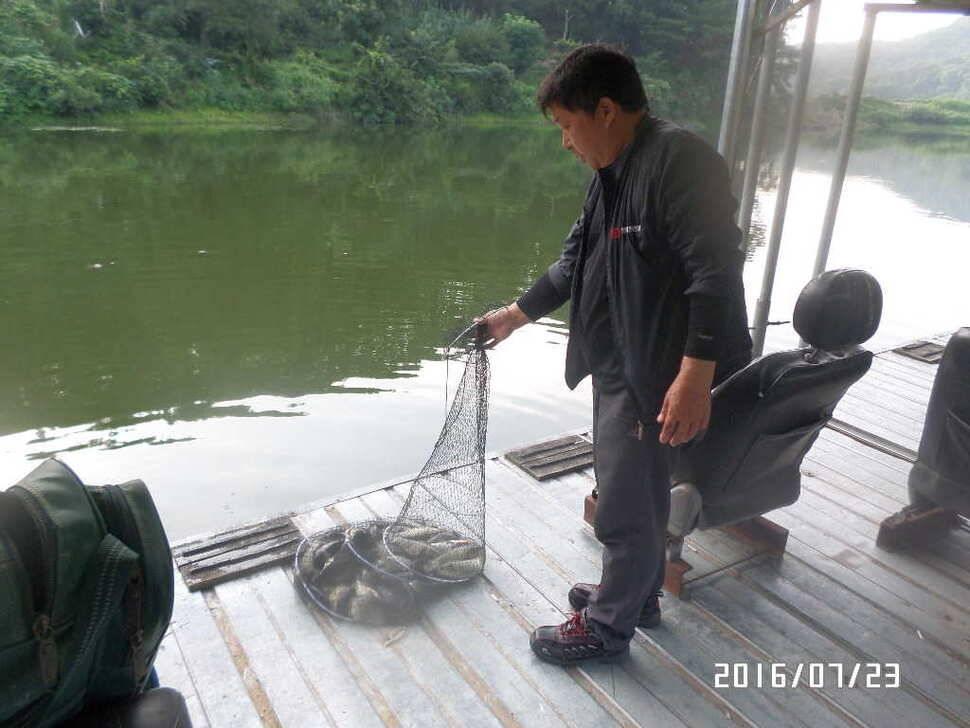 fish_pay_06064127.jpg