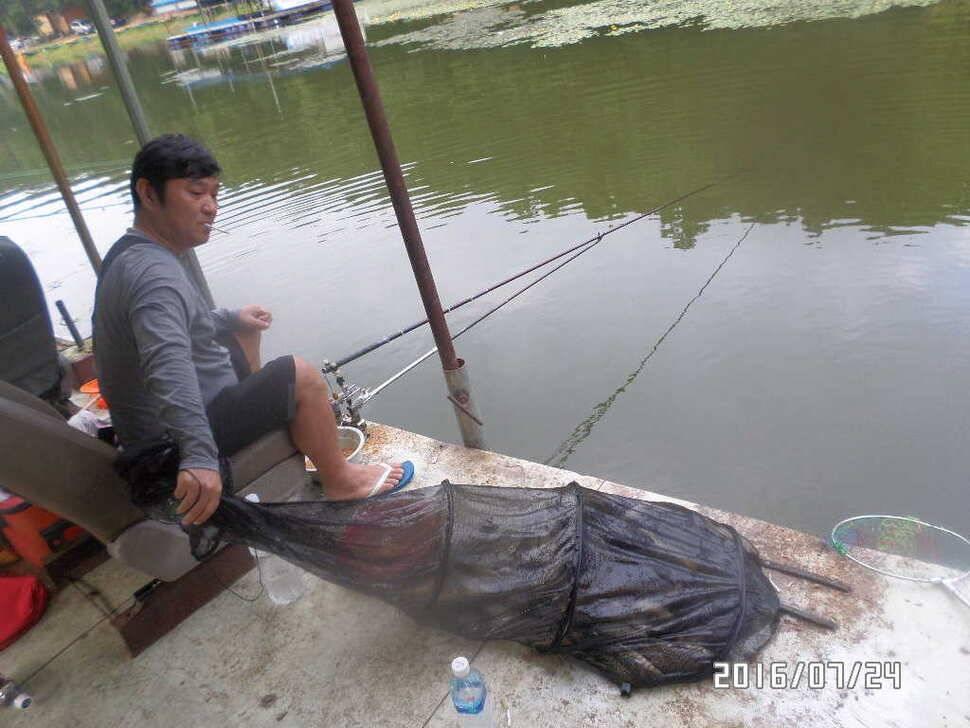 fish_pay_06075882.jpg