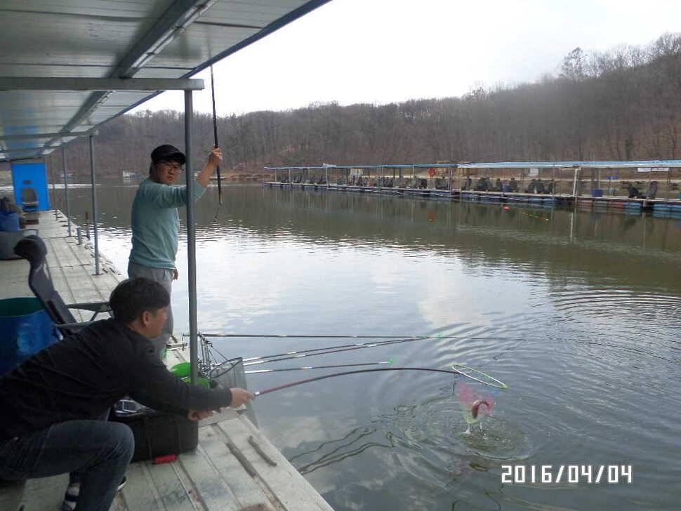 fish_pay_06411885.jpg
