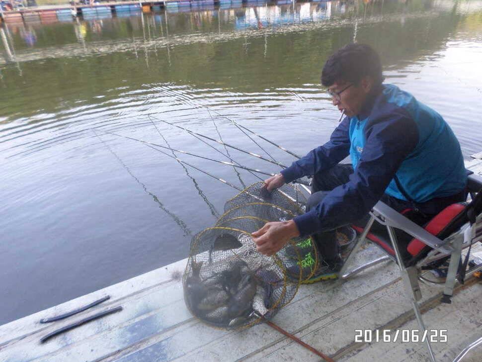 fish_pay_08023098.jpg