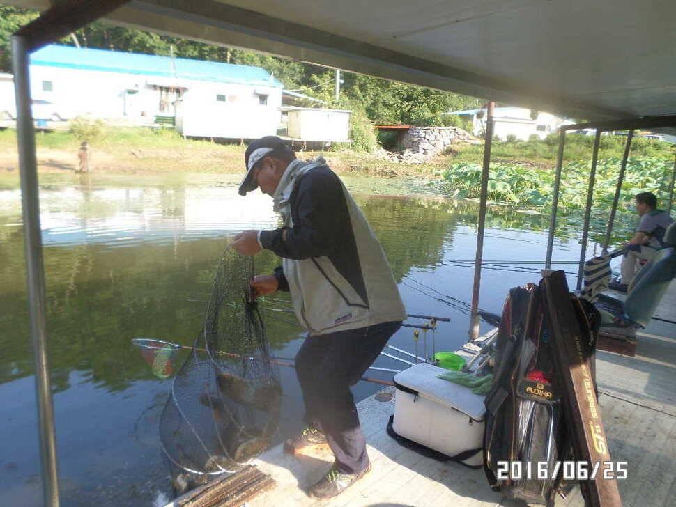 fish_pay_08024127.jpg