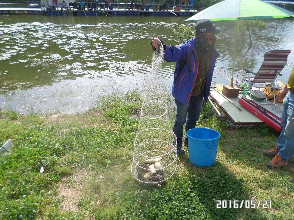 fish_pay_08100230.jpg