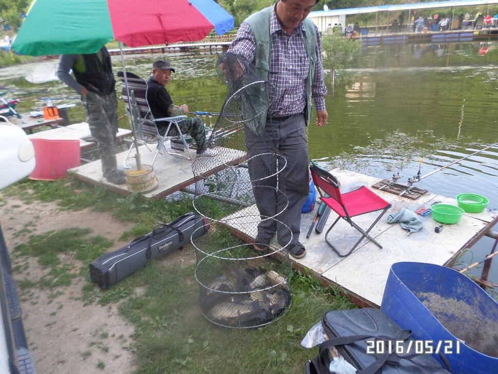 fish_pay_08104193.jpg