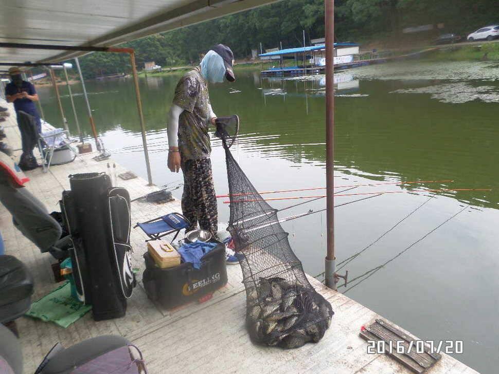 fish_pay_08155172.jpg
