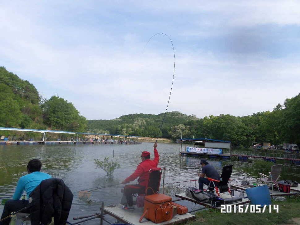 fish_pay_08181083.jpg