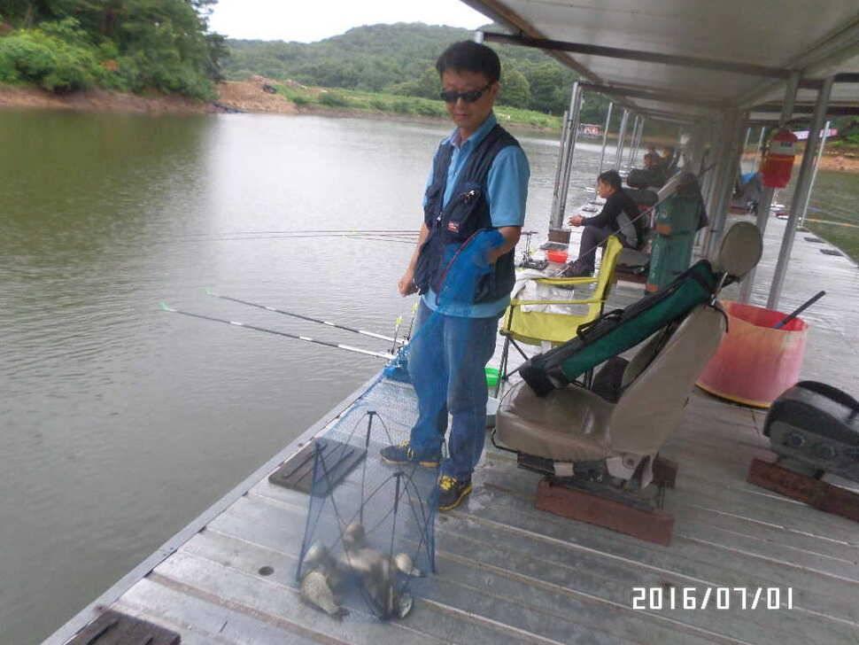 fish_pay_08193880.jpg