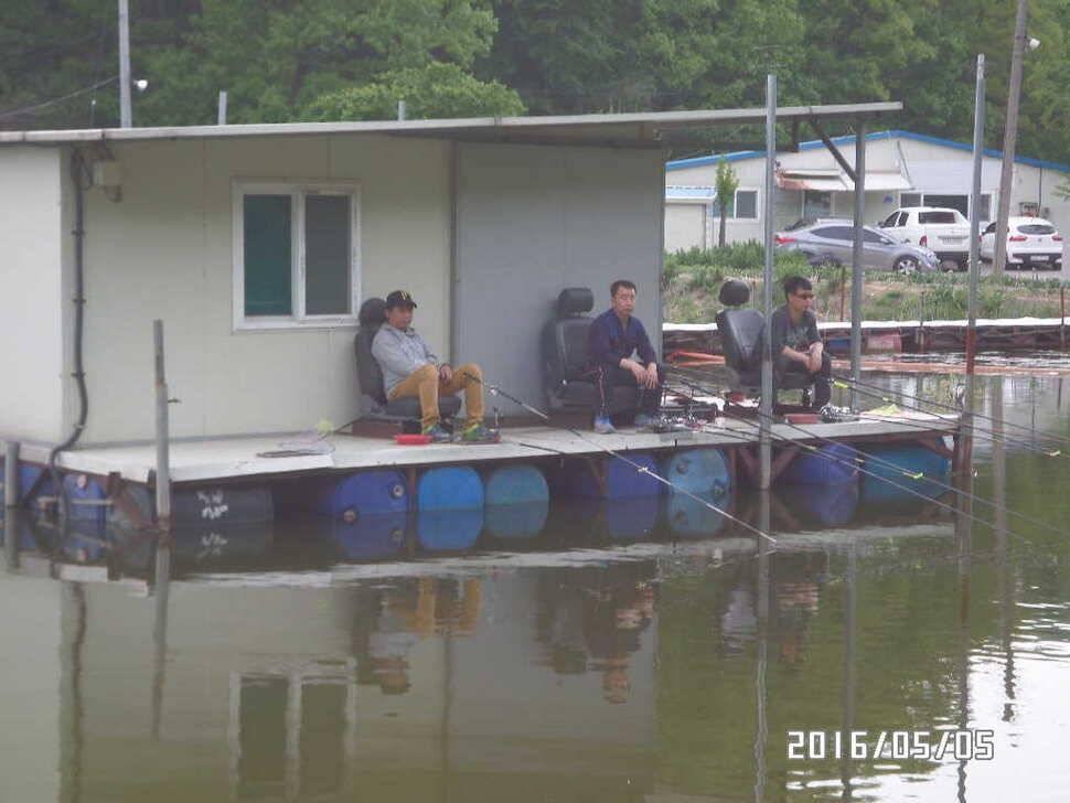 fish_pay_08344075.jpg