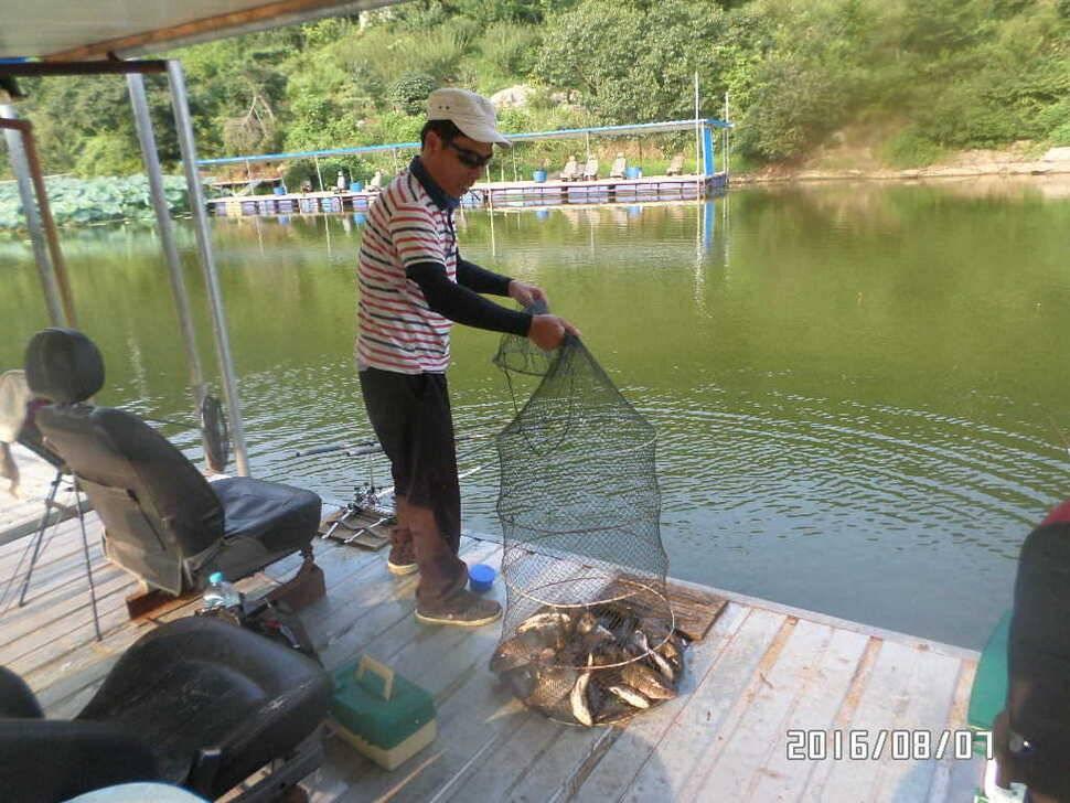 fish_pay_08405976.jpg