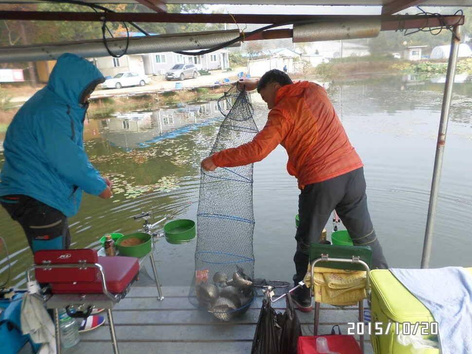 fish_pay_08474590.jpg