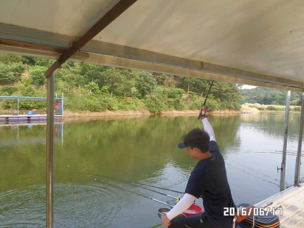 fish_pay_09530434.jpg