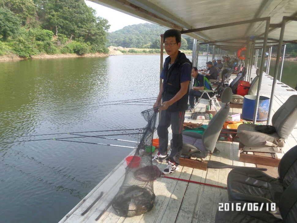 fish_pay_0954076.jpg