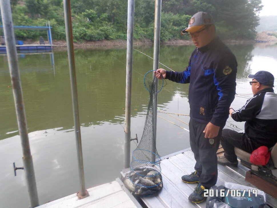 fish_pay_09542845.jpg