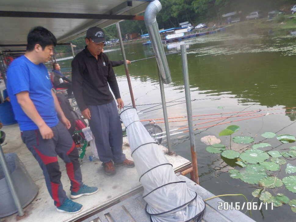 fish_pay_10165143.jpg