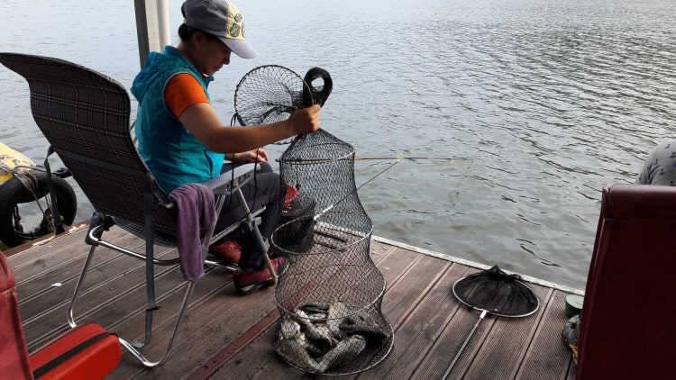fish_pay_10165696.jpg