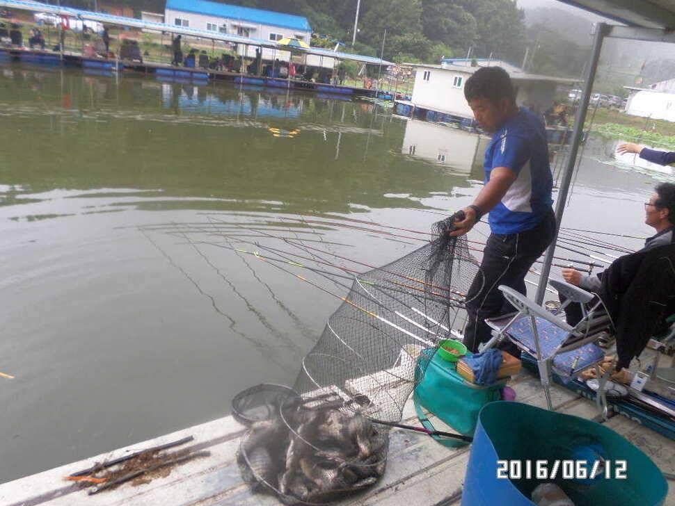 fish_pay_10171878.jpg