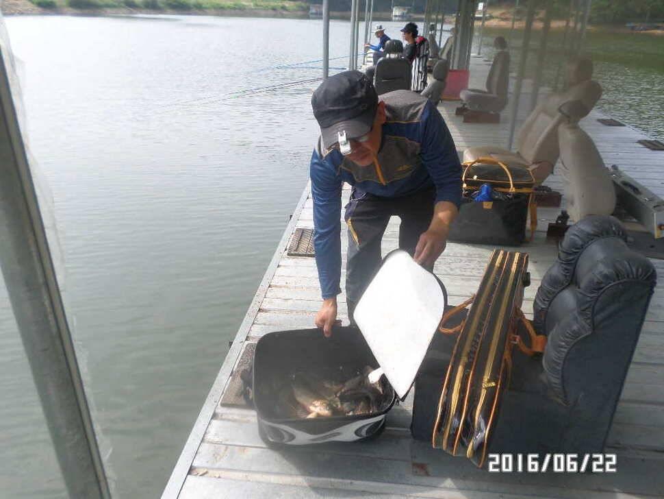 fish_pay_10263028.jpg