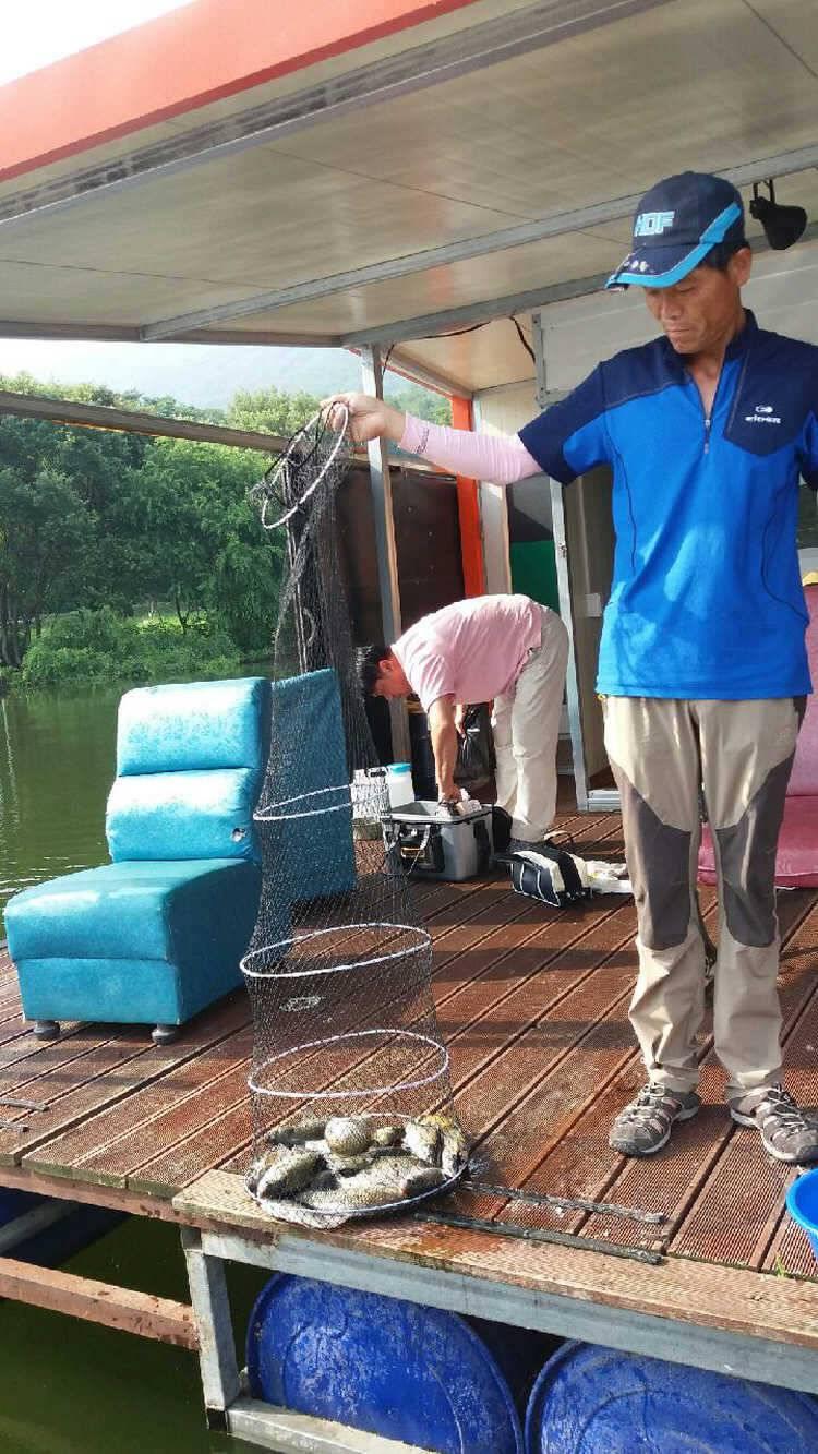 fish_pay_10482036.jpg