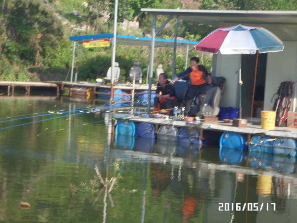 fish_pay_11365282.jpg