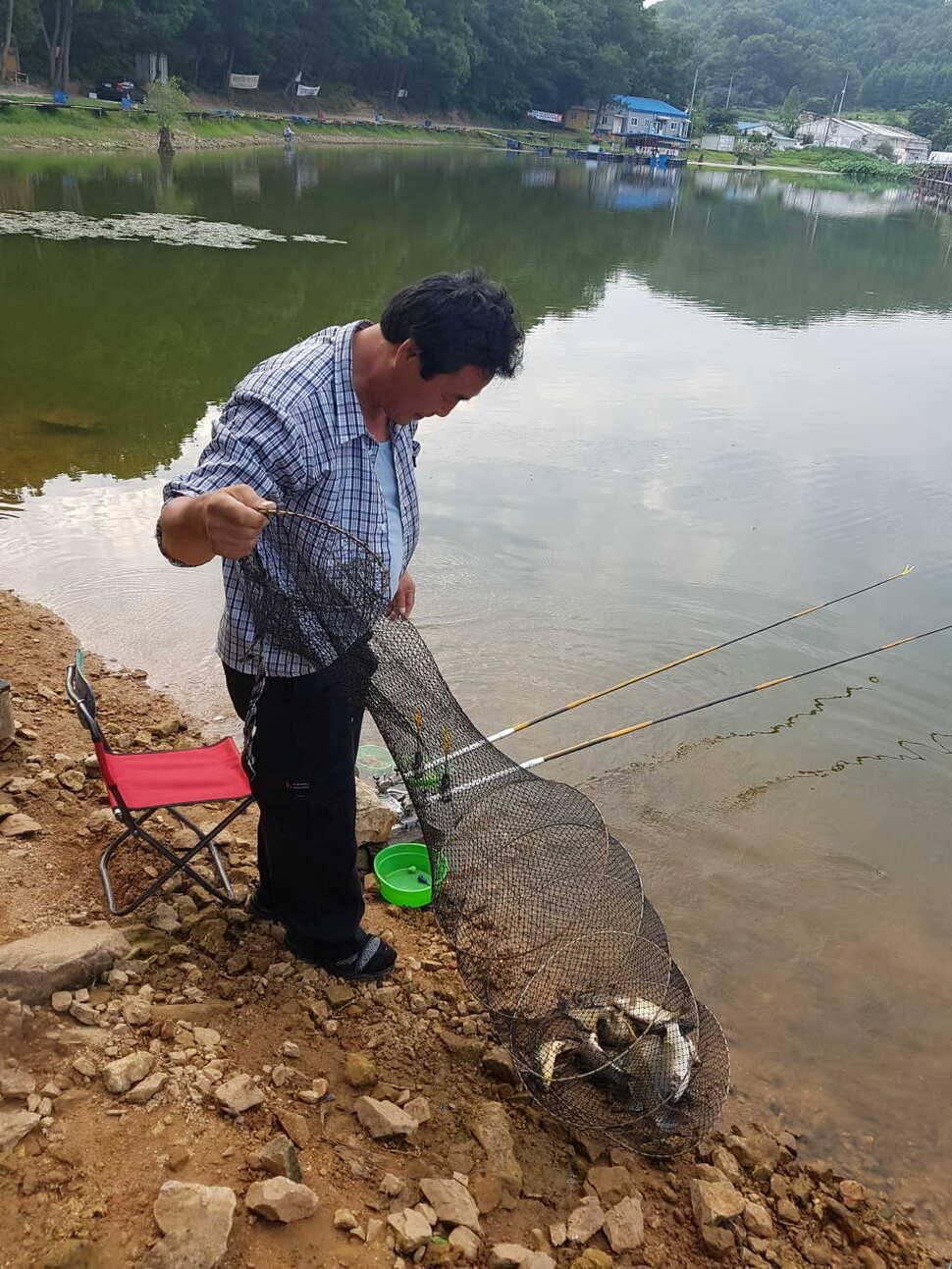 fish_pay_12300778.jpg