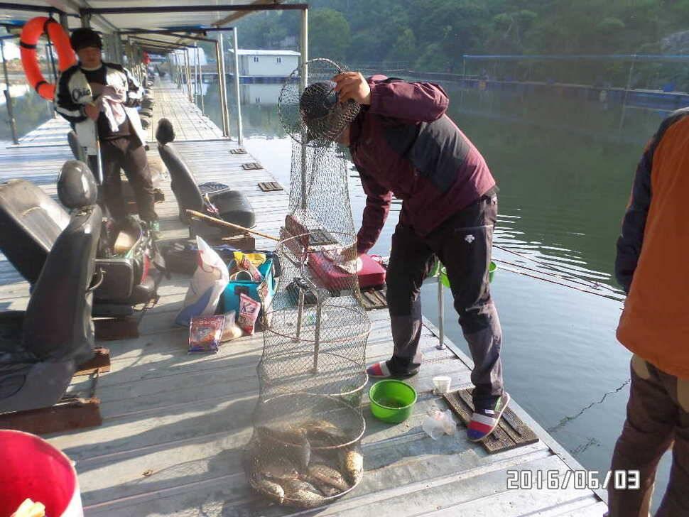 fish_pay_12552672.jpg