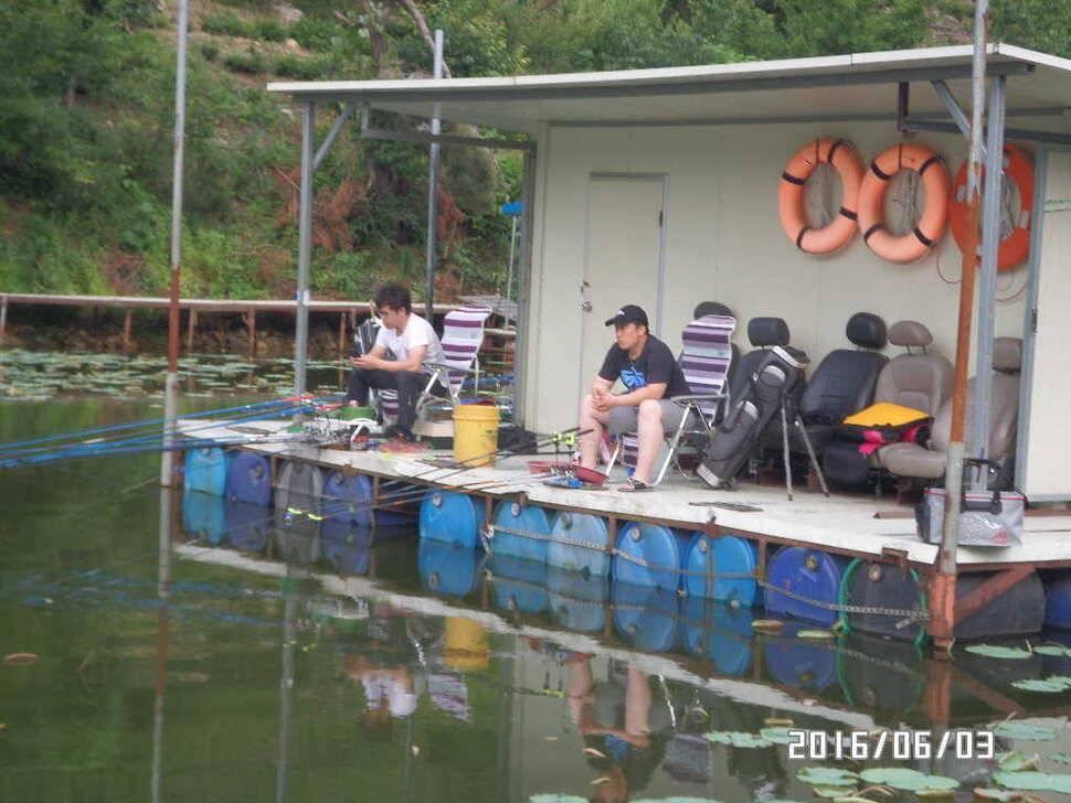 fish_pay_12554850.jpg