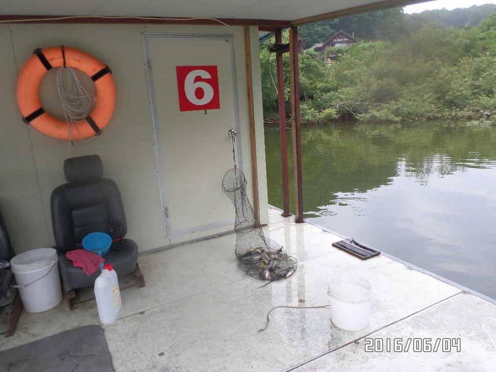 fish_pay_12561156.jpg
