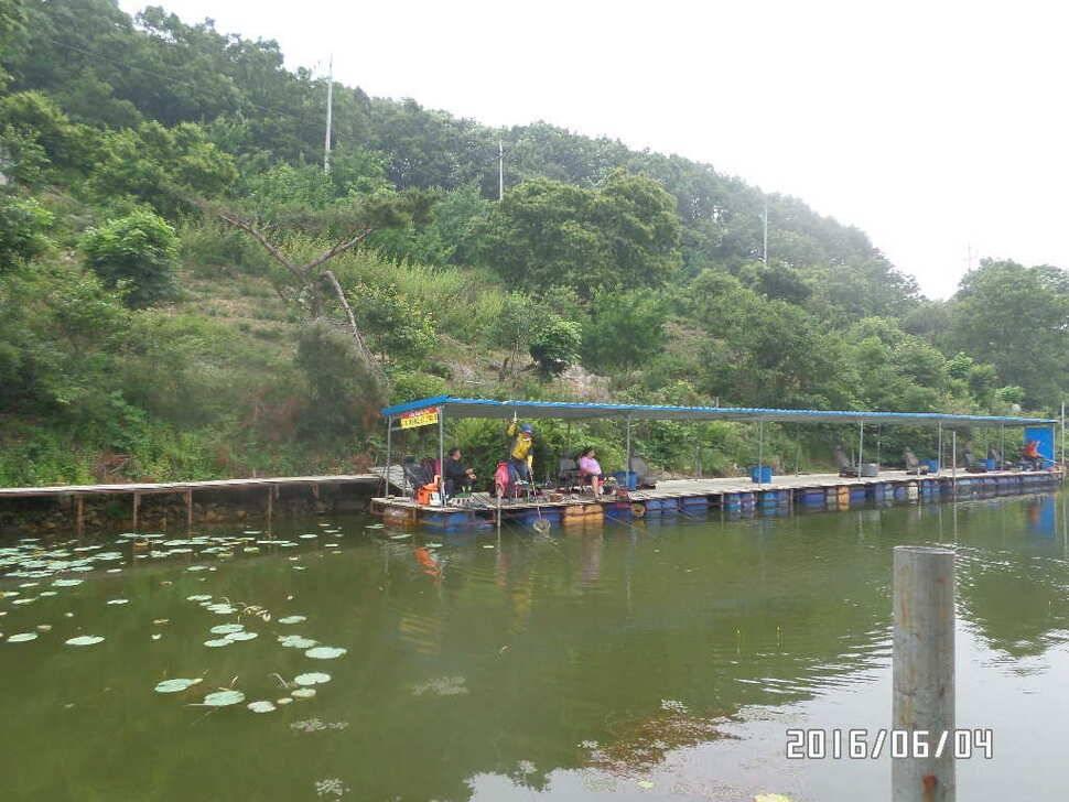fish_pay_12570110.jpg