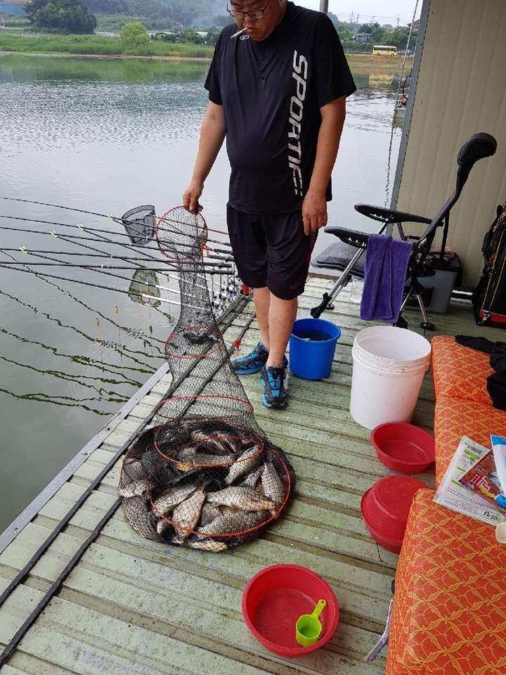 fish_pay_0219369.jpg