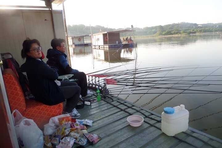 fish_pay_04052699.jpg
