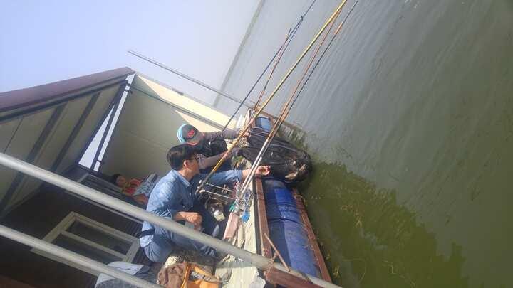 fish_pay_05432067.jpg