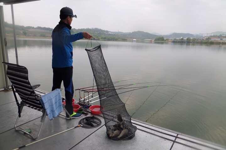 fish_pay_05561463.jpg