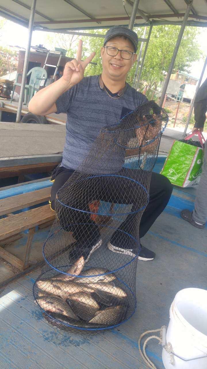 fish_pay_09512387.jpg