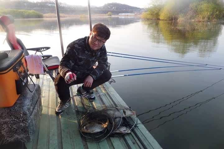 fish_pay_11523491.jpg